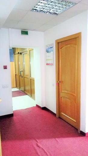 офисное здание Поповича, 100
